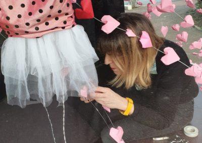 Préparation-vitrine-saint-valentin-la-decotheque-6