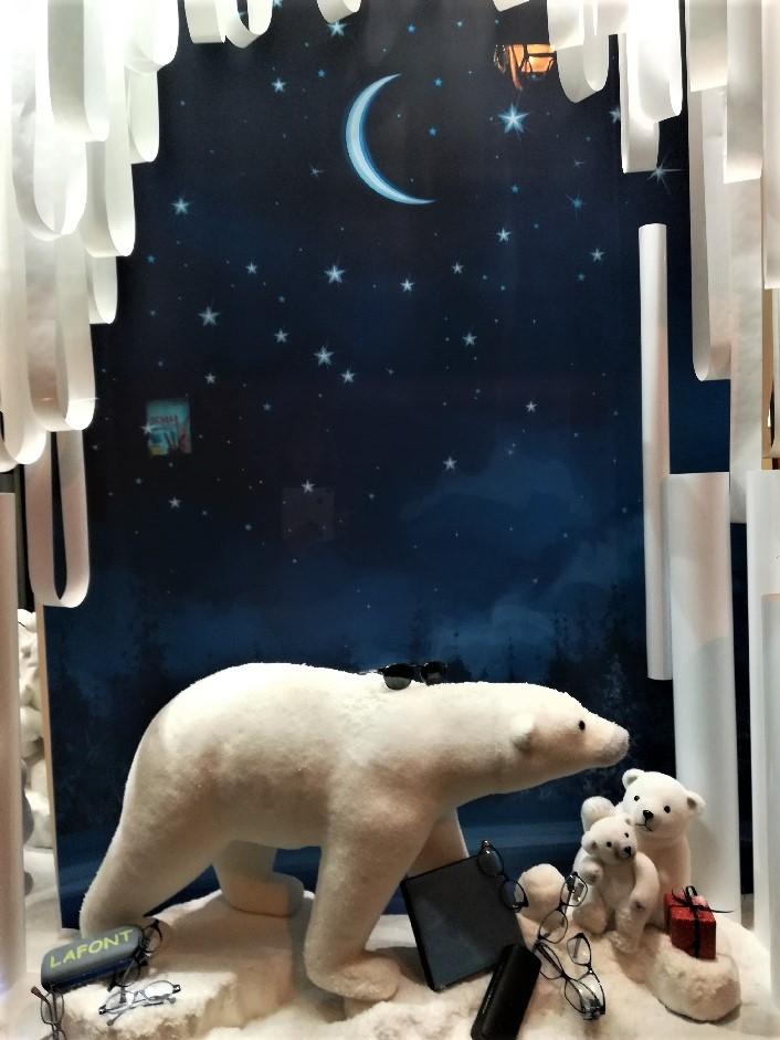 Vitrine-thème-ours-polaires-1-optique-des-soudanes-catherine-cardin