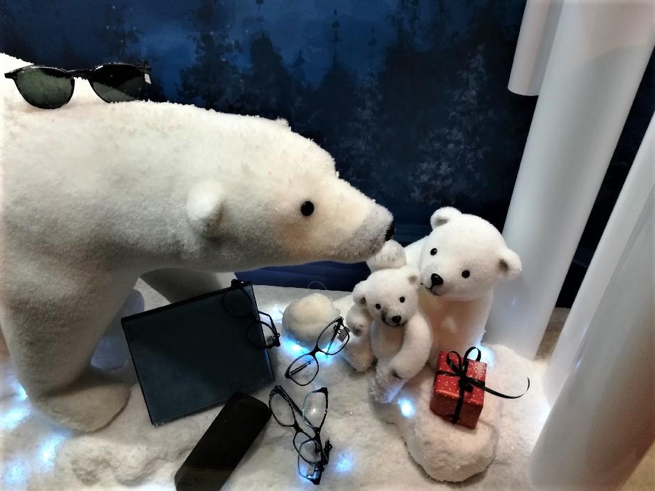 Vitrine-thème-ours-polaires-3-optique-des-soudanes-catherine-cardin