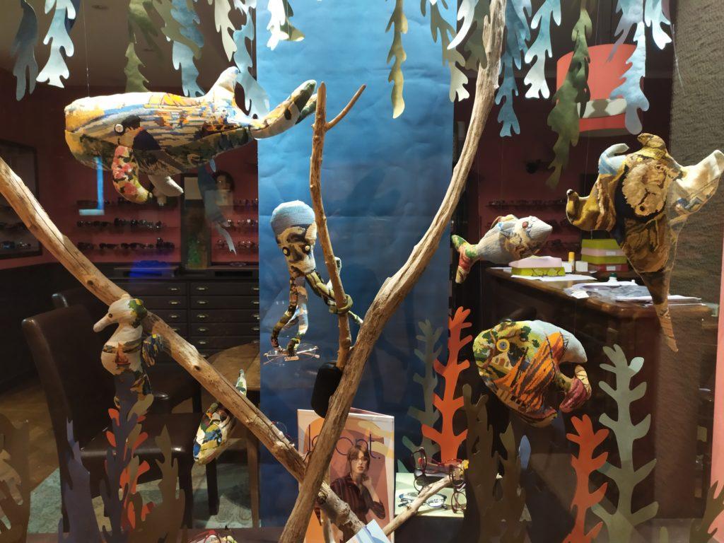 vitrine-la-decotheque-aquarium-tapisserie-Catherine-Cardin